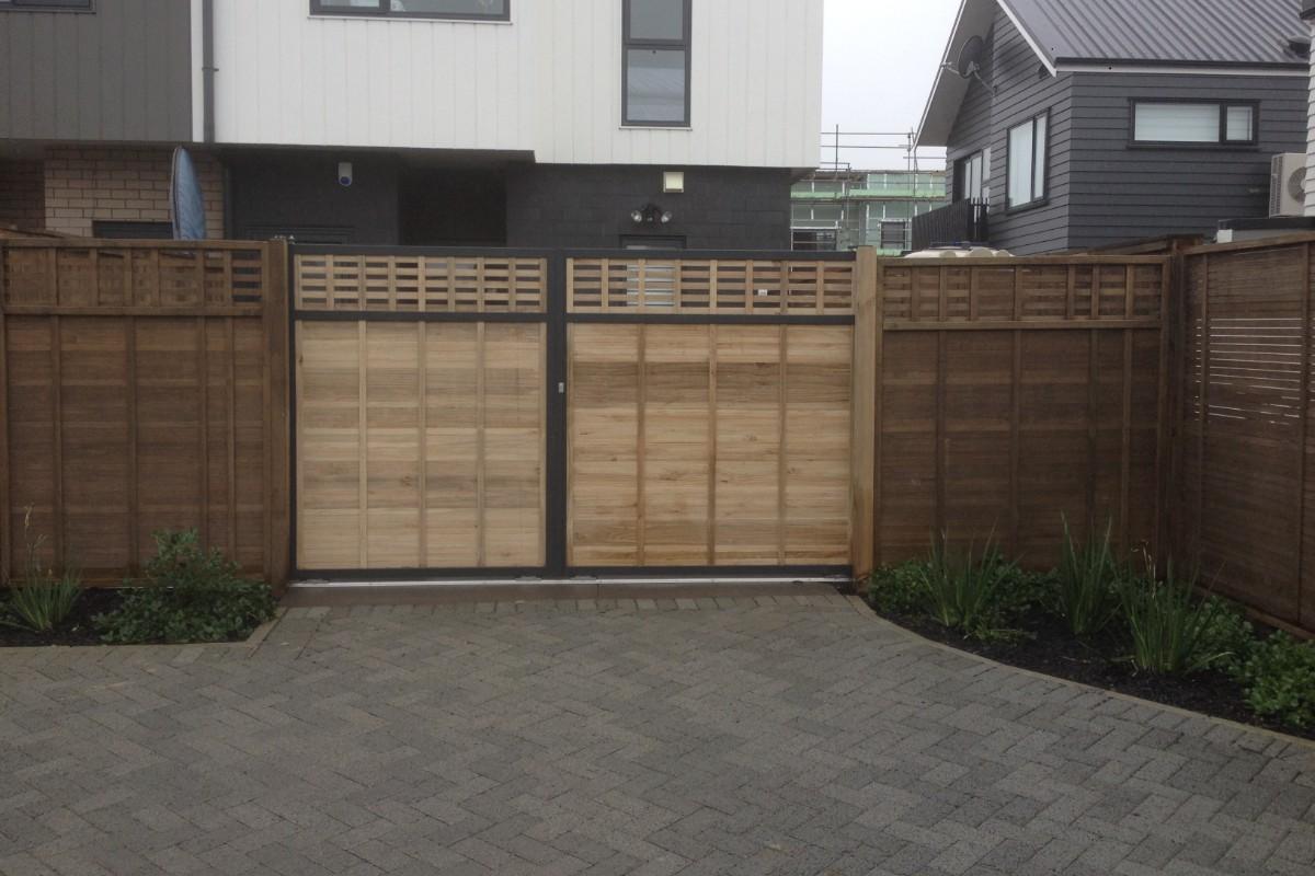 Sliding Gates to Match the Fence 2